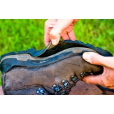 Как приклеить обувь своими руками: особенности и правила